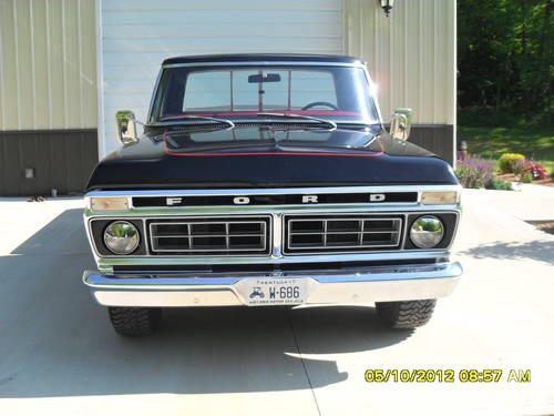 1976-ford-f100-truck-black-20k-mi-americanlisted_30370443