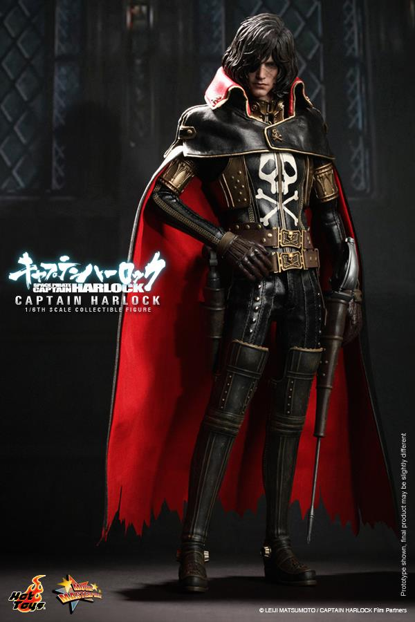 Hot-Toys-Space-Pirate-Captain-Harlock-2